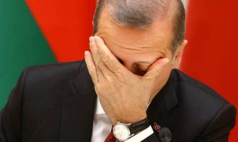 Οικονομικός όλεθρος: Σε απελπισία ο Ερντογάν, ετοιμάζεται για capital controls και διάσωση από ΔΝΤ