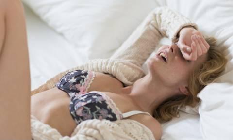 ΠΡΟΣΟΧΗ: Η νέα επικίνδυνη σεξουαλική μόδα που φέρνει τις γυναίκες σε σπάνιο οργασμό