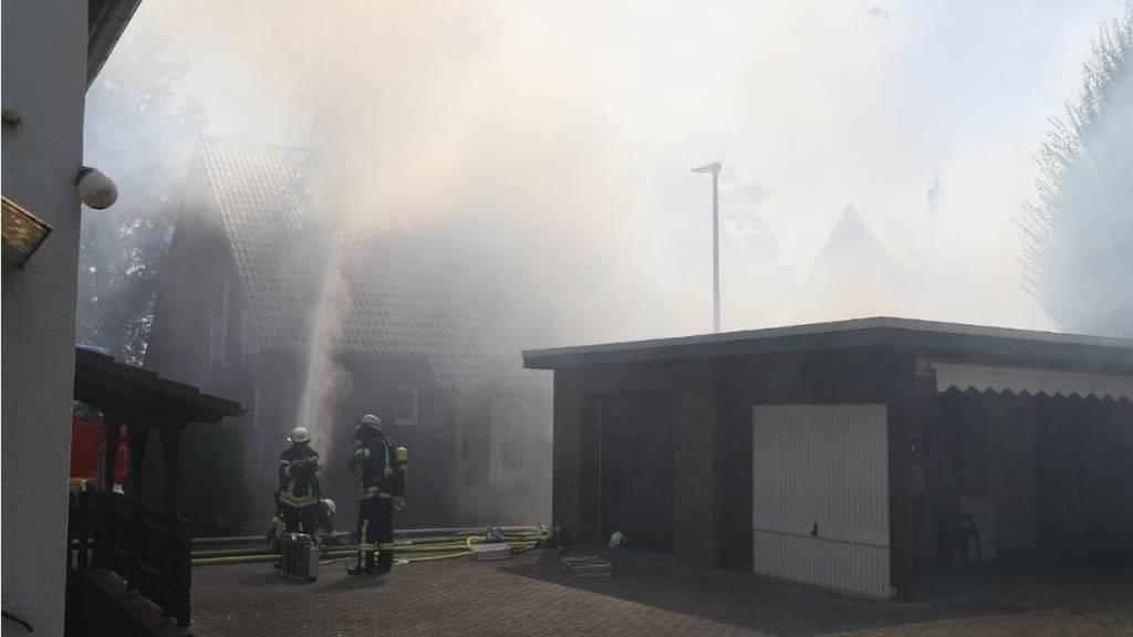 ΕΚΤΑΚΤΟ: Πύρινος όλεθρος στη Γερμανία: Σπινθήρες τρένου ξεκίνησαν φωτιά - Δεκάδες οι τραυματίες