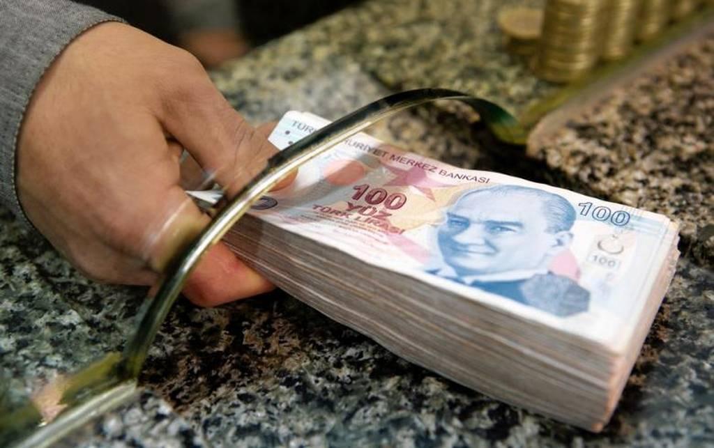 Bloomberg: Η Άγκυρα εξετάζει μέτρα απελπισίας - ΔΝΤ και Capital Controls προ των πυλών