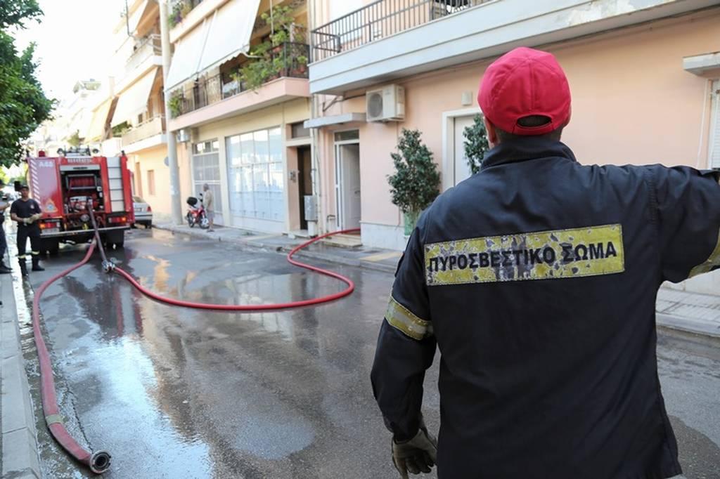 Συναγερμός στην Πυροσβεστική: Μεγάλη φωτιά ΤΩΡΑ σε διαμέρισμα στη Νίκαια