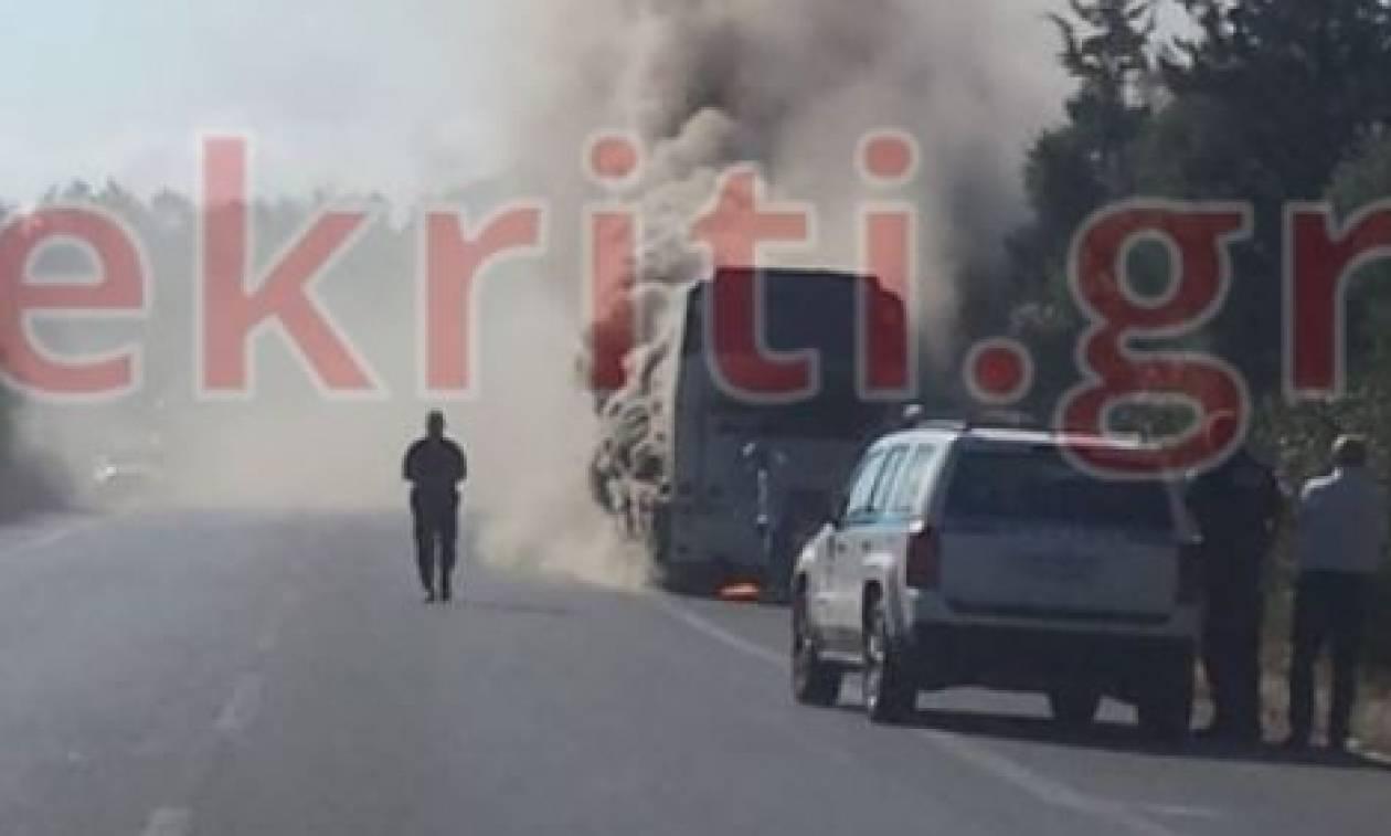 Κρήτη: Φωτιά σε λεωφορείο γεμάτο τουρίστες – Συγκλονιστικές εικόνες
