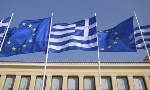 Le Monde: Η Ελλάδα ξαναγεννιέται απο τις στάχτες της