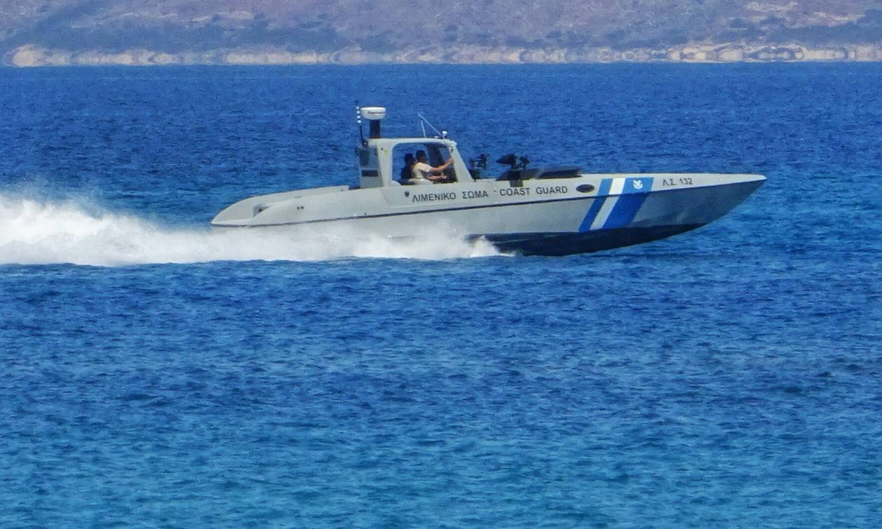 Θρίλερ στη Βάρκιζα: Εντοπίστηκε σορός γυναίκας στη θάλασσα (vid)