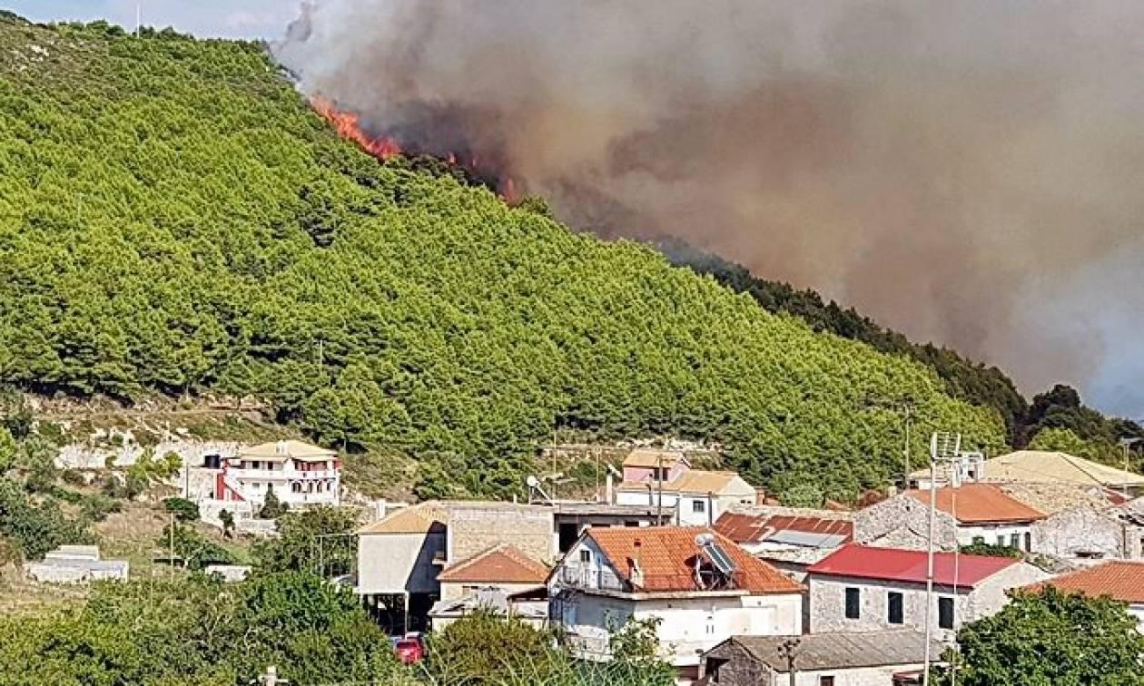 Φωτιές: Καίγεται η Ζάκυνθος - Πυρκαγιές σε Άνδρο και Αχαΐα (pics)