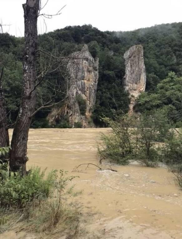 Ένας αγνοούμενος από τις πλημμύρες στη νότια Γαλλία - Απομακρύνθηκαν 1.600 κατασκηνωτές