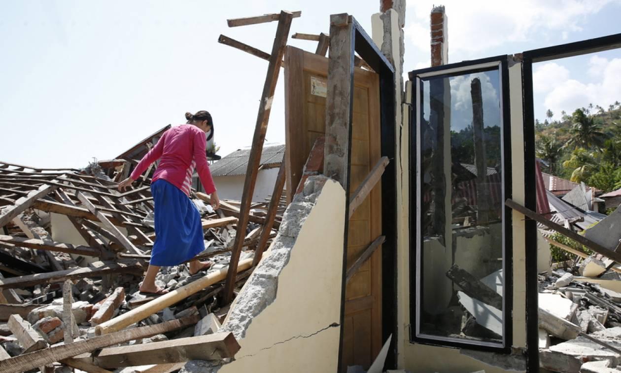 Τραγικός ο απολογισμός του φονικού σεισμού στην Ινδονησία (vid)