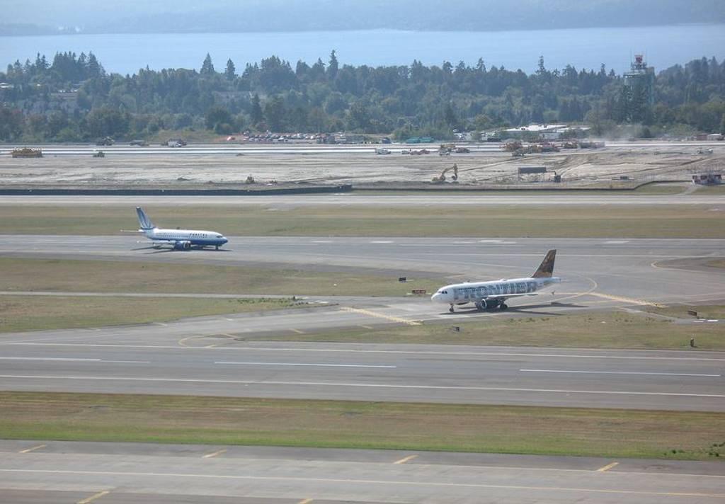 Σιάτλ: Σοκάρει ο αεροπειρατής: «Φαίνεται ότι μου έχουν λασκάρει κάποιες βίδες» (pics&vids)