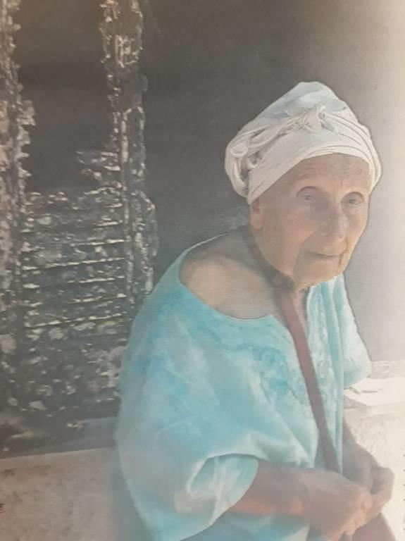 Φωτιά: Το θεόσταλτο σημάδι στο καμένο σπίτι της ηθοποιού Τιτίκας Σαριγκούλη (pics)