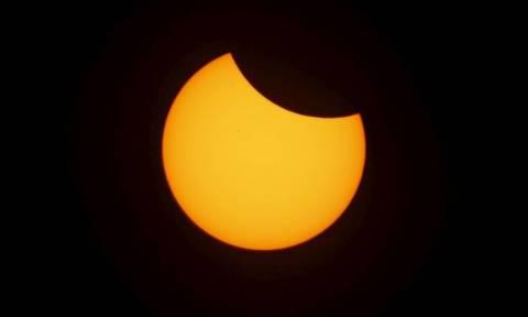 Πλησιάζει η τρίτη έκλειψη ηλίου για φέτος - Πού θα είναι ορατή