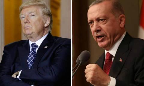 «Πόλεμος» Τουρκίας – ΗΠΑ: Ο Τραμπ έτοιμος να διαλύσει τον Ερντογάν