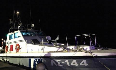 «Θρίλερ» στην Αντίπαρο: Αγνοείται 17χρονος που έπεσε στη θάλασσα