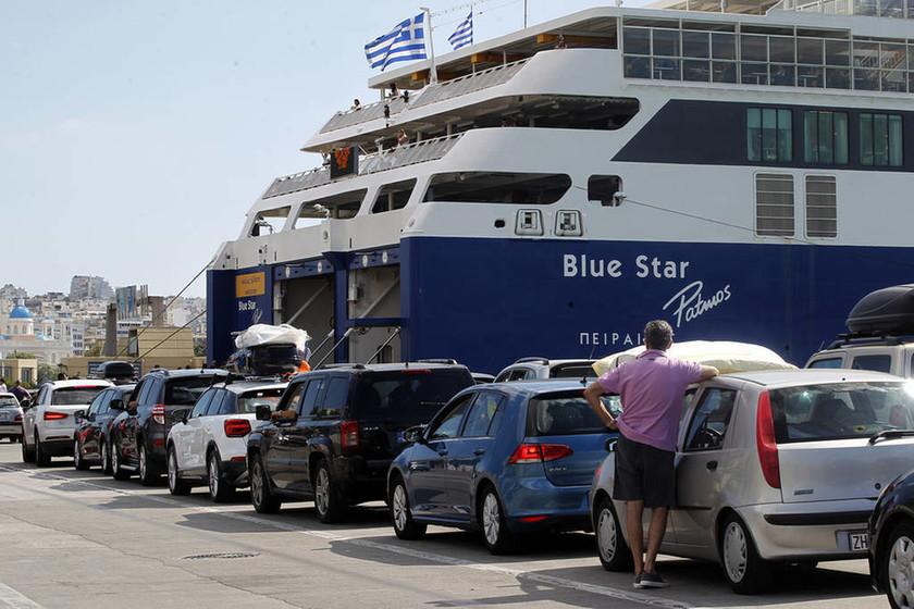 Δεκαπενταύγουστος 2018: Εγκατελείπουν την πρωτεύουσα οι Αθηναίοι - Αυξημένη η κίνηση στα λιμάνια