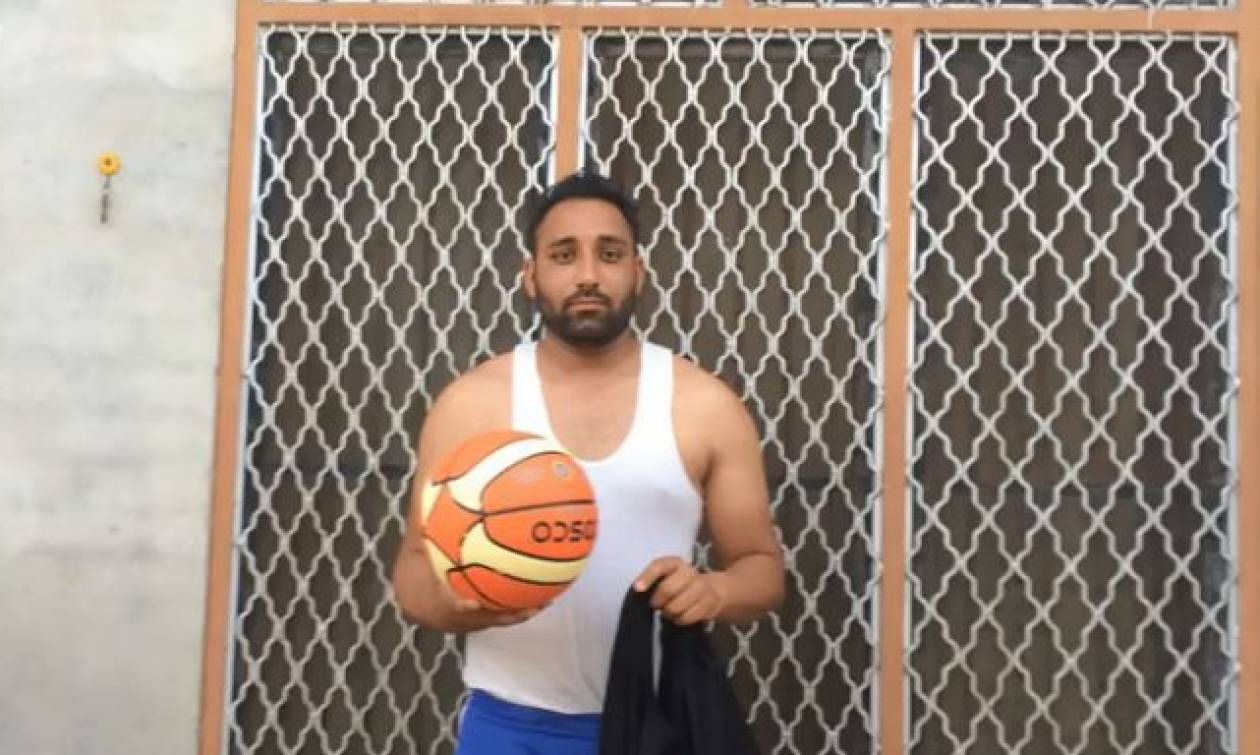 Όταν έχεις ταλέντο στο... μπάσκετ! (vid)