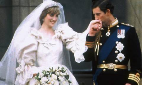 Απίστευτη αποκάλυψη για τον πρίγκιπα Κάρολο - Δεν φαντάζεστε με ποια είχε σχέση πριν την Νταϊάνα