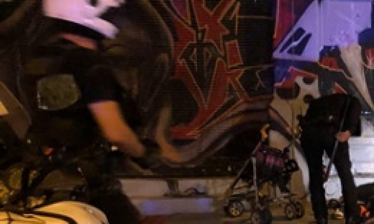 Ακατάλληλο θέαμα στο κέντρο της Θεσσαλονίκης: Έκαναν σεξ στο πεζοδρόμιο! (pic)