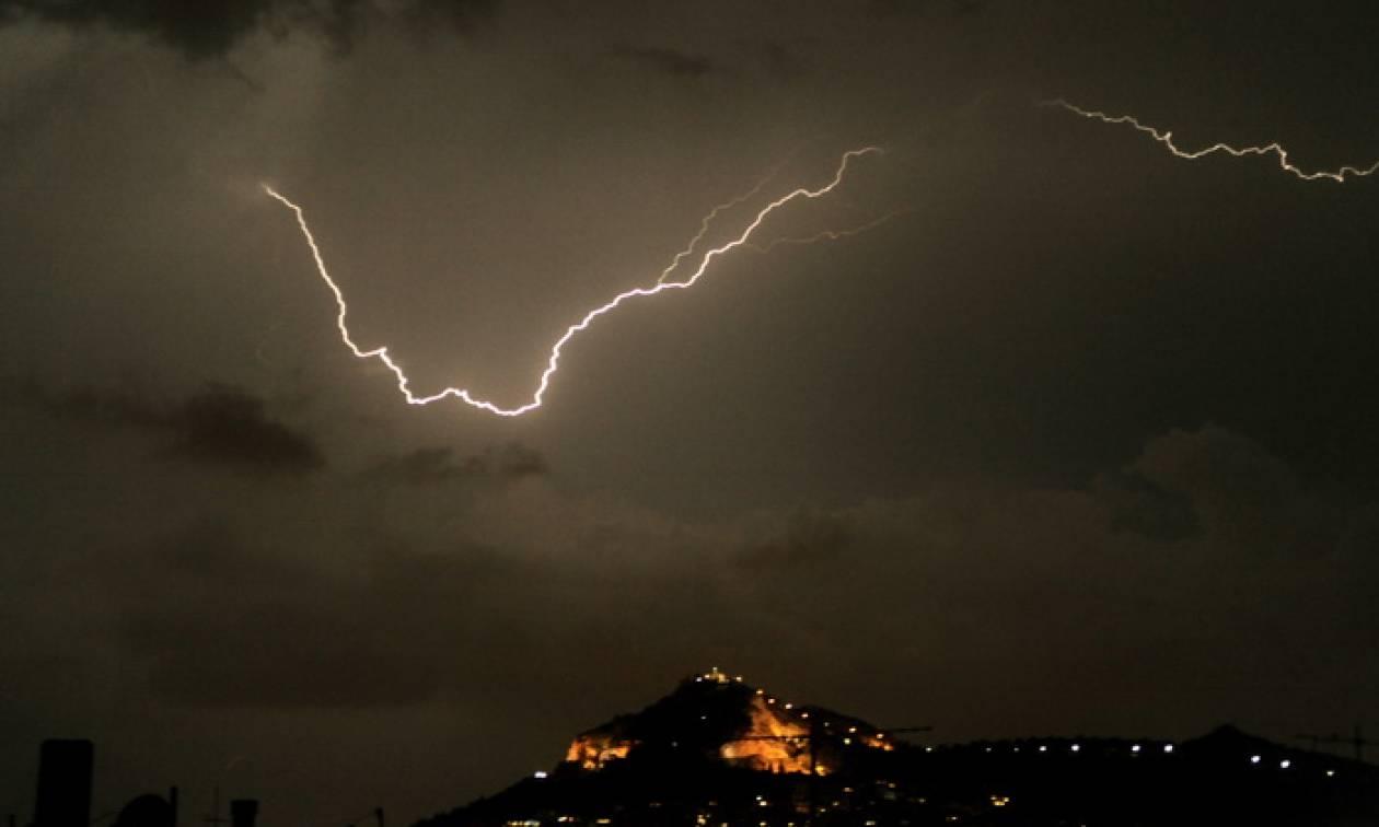 Σχεδόν 103.000 κεραυνοί έπεσαν στην Ελλάδα το φετινό Ιούλιο