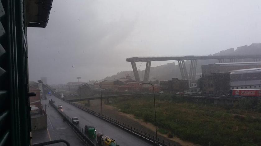 Τραγωδία Γένοβα: Κατέρρευσε οδογέφυρα - Τουλάχιστον 11 οι νεκροί