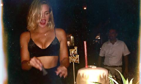 Κάτι πήγε λάθος! Η Khloe Kardashian εμφανίζεται 1η φορά με μαγιό & το σώμα της δεν το περίμενες έτσι