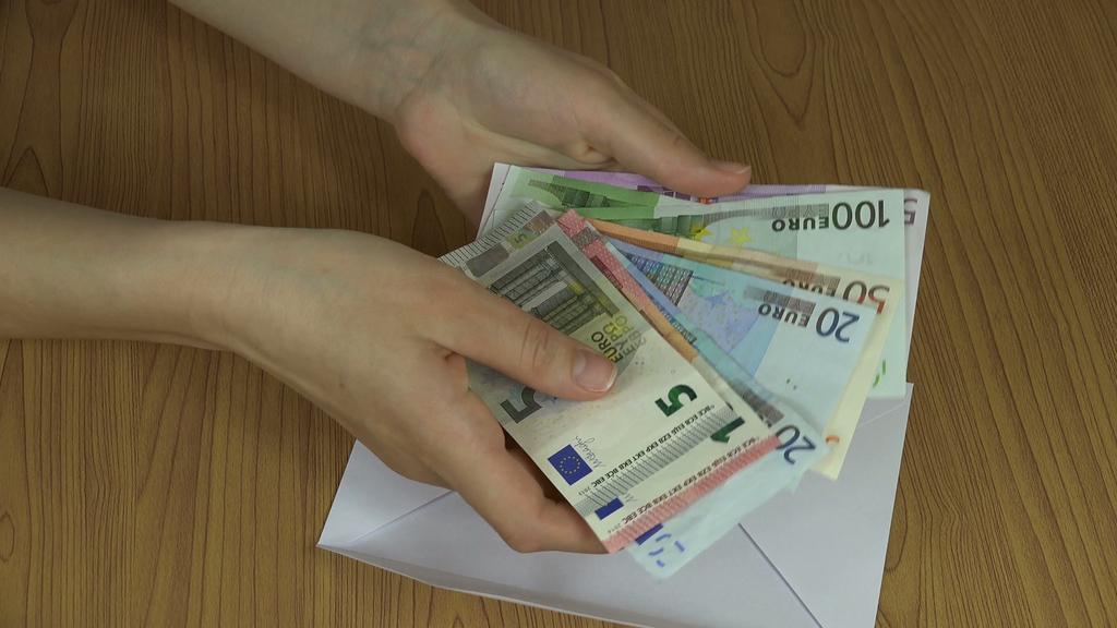 ΕΦΚΑ: Πότε θα γίνει η πληρωμή για το δωρόσημο καλοκαιριού
