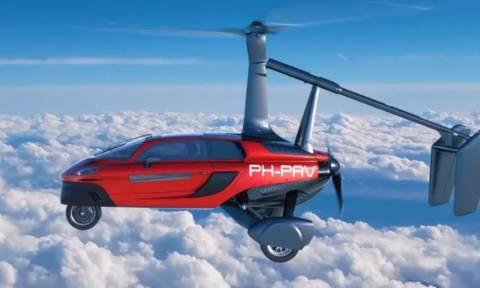 Δείτε τις εντυπωσιακές φωτογραφίες από το «ιπτάμενο» αμάξι!