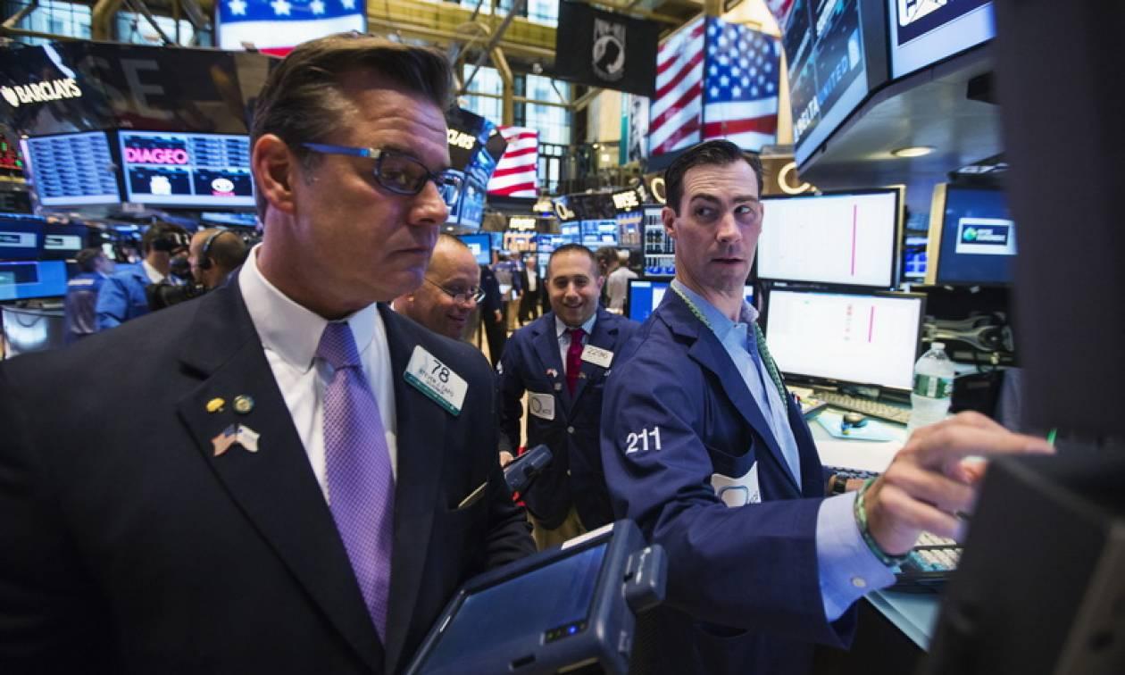 Επιστροφή στα κέρδη για τη Wall Street - Άλμα 400 μονάδων για τον Dow Jones