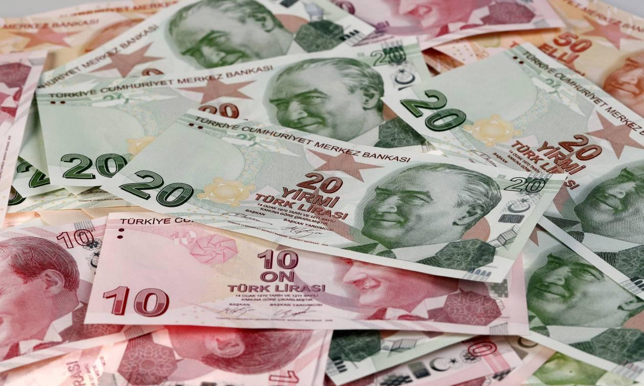 Η λίρα επέστρεψε στην οδό των απωλειών - Υποχωρεί στις 5,86 λίρες ανά δολάριο