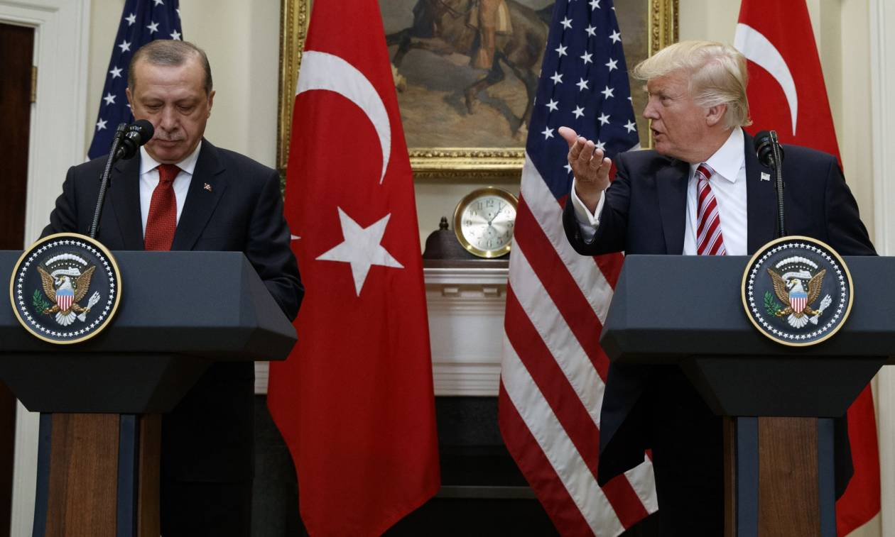 Οργή Τραμπ: Ο Ερντογάν φέρεται απαίσια - Δεν θα κάτσουμε με σταυρωμένα τα χέρια