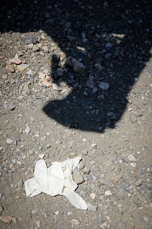 Θρίλερ χωρίς τέλος στου Φιλοπάππου: Η μητέρα του 25χρονου στο σημείο που ξεψύχησε (vids+pics)