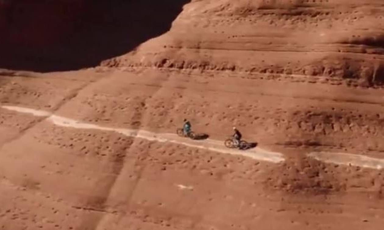 Είναι αυτό το πιο επικίνδυνο μονοπάτι για ποδήλατο στον κόσμο; (vid)