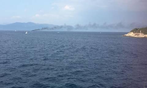 Βούλιαξε τουριστικό σκάφος μετά από πυρκαγιά στους Παξούς