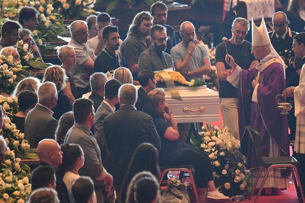 funeral bridge genoa 1 copy