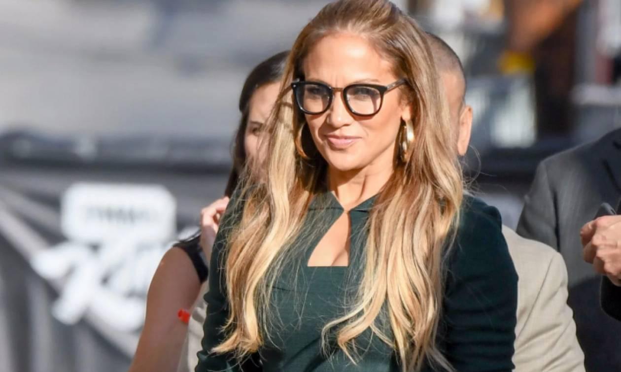 H Jennifer Lopez μόλις μας χάρισε το ωραιότερο εξώφυλλο της ζωής της!