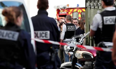 Γαλλία: Έγινε… ντίρλα, καβγάδισε με τον πορτιέρη, μπήκε στο αυτοκίνητο και παρέσυρε επτά άτομα!