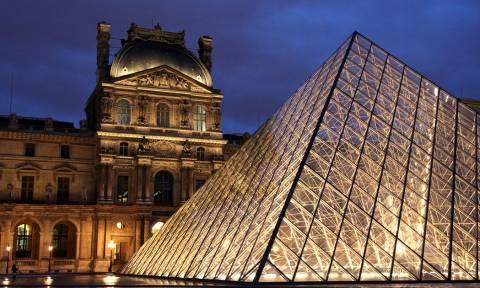 Εφαρμογή για κινητά δίνει πίστωση 500 ευρώ για πολιτιστικές εκδηλώσεις στη Γαλλία