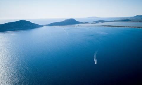 Ασύλληπτο ατύχημα στη Χαλκιδική: Έβαλε μπροστά τη μηχανή σκάφους και τραυμάτισε το αγόρι της