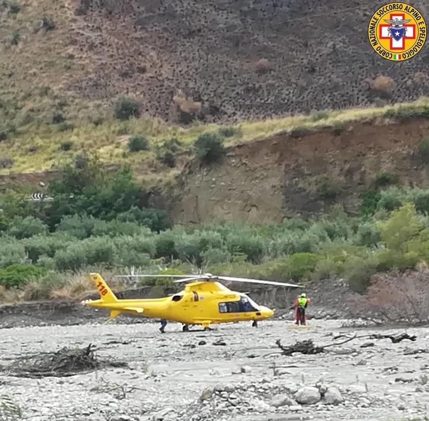 Τραγωδία στην Ιταλία: Οκτώ εκδρομείς πνίγηκαν στα ορμητικά νερά χειμάρρου στην Καλαβρία (Pics+Vid)