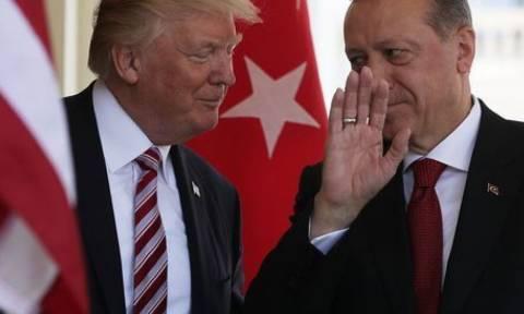 Νέο μήνυμα Τραμπ σε Ερντογάν: Καμία παραχώρηση για την απελευθέρωση του πάστορα