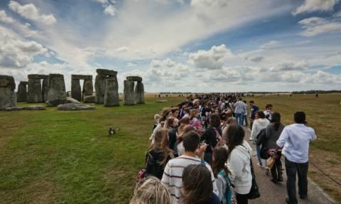 Αυτός θα είναι ο πρώτος καλλιτέχνης στην ιστορία που θα δώσει συναυλία στο Stonehenge!