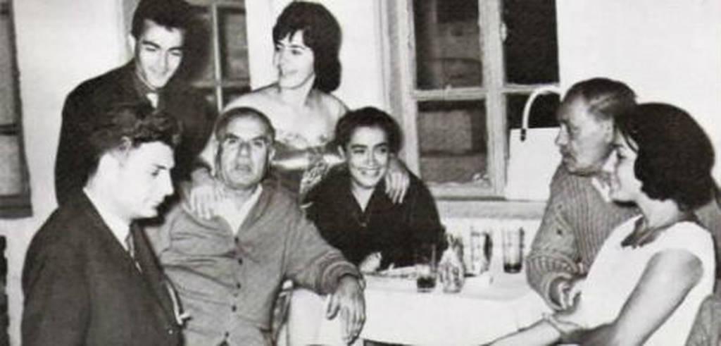 Σαν σήμερα το 1921 γεννιέται η κορυφαία τραγουδίστρια Σωτηρία Μπέλλου (Pics+Vids)