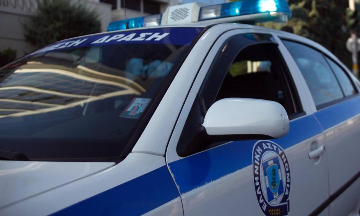 Θρίλερ στον Άγιο Κωνσταντίνο: Μαθητής βρέθηκε αλυσοδεμένος χειροπόδαρα σε κολώνα σε κεντρικό σημείο