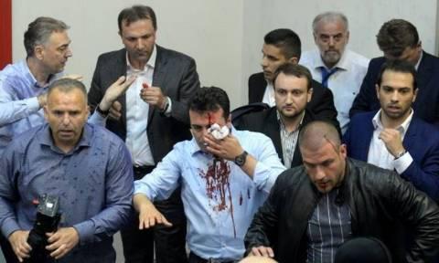 Σκόπια: Ξεκίνησε η δίκη για την εισβολή στη Βουλή και τον ξυλοδαρμό του Ζόραν Ζάεφ (Pics+Vids)