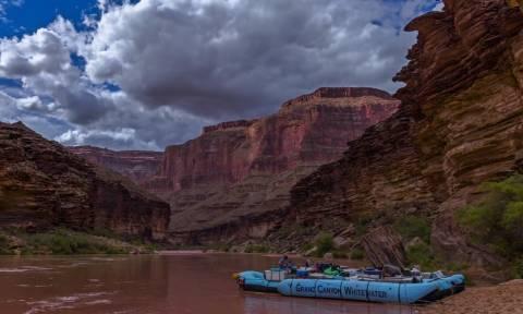 Σκέτη τρέλα: Η φανταστική εμπειρία να κάνεις ράφτινγκ στο Grand Canyon! (vid)