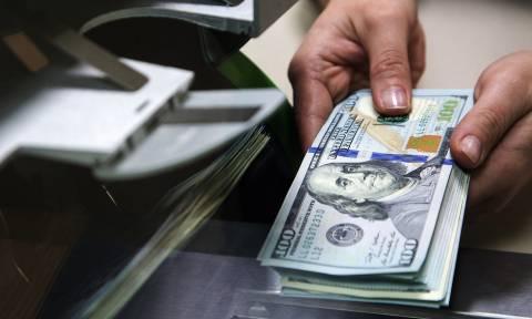 Курс доллара достиг 69 рублей
