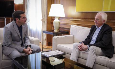 PM Tsipras meets with prof. Goldammer, head of recommendation committee on fire prevention