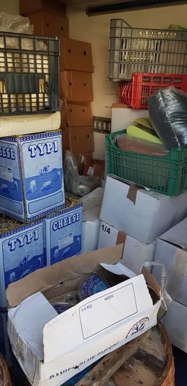 Υγειονομική «βόμβα» στο Γέρακα: Κατασχέθηκαν ακατάλληλα τρόφιμα από σούπερ μάρκετ (pics)