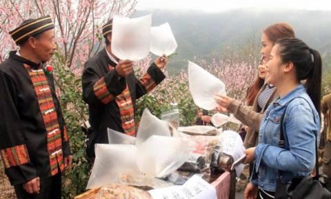 Απίστευτο: Πουλούν σακούλες με «καθαρό αέρα» του βουνού και θησαυρίζουν (photos)