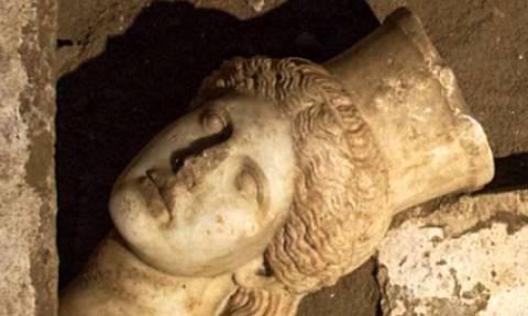 Αμφίπολη: Ανοίγει τις πύλες του ο τύμβος των… μυστηρίων