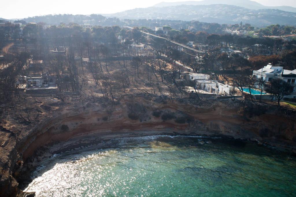 Το Μάτι από ψηλά, έναν μήνα με την φονική πυρκαγιά (pics)