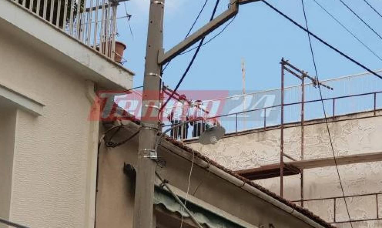 Πάτρα: Ηλικιωμένος απειλούσε ότι θα πέσει από το μπαλκόνι του σπιτιού του